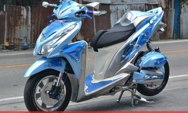 Modifikasi Honda Vario 125 Airbrush & Touring