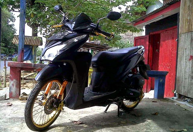 Modifikasi Honda Vario 125 Ring 17
