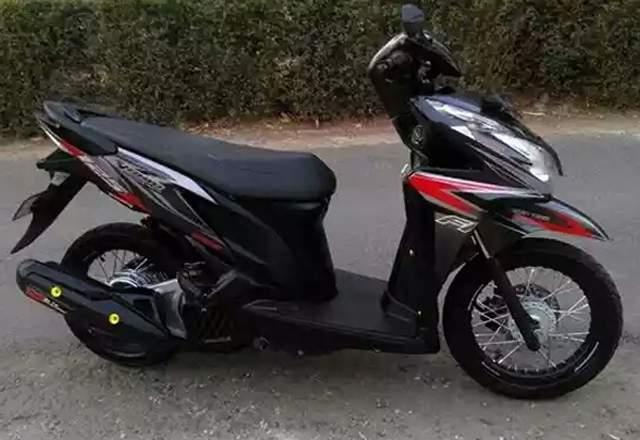Modifikasi Honda Vario 125 Velg Jari-Jari Ring 14